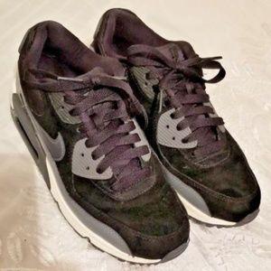 Nike Air Max 90 Sneakers sz 7